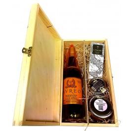 Saldi dovana medinėje dėžutėje